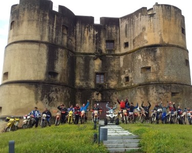 Moto TT | 1 Pessoa - 1h30 | Horizon Adventures