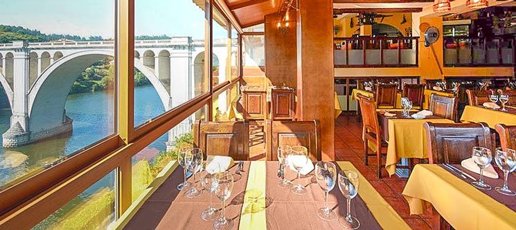 Jantar Romântico c/ Vista Rio | Ponte de Pedra - Marco de Canaveses