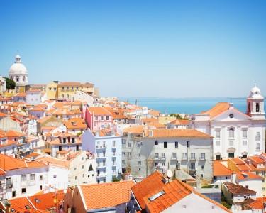 Petiscos do Mundo em Alfama para Dois   Passear e Namorar em Lisboa!